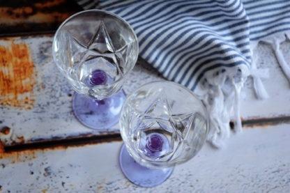 Wijnglazen lila steel bovenaanzicht
