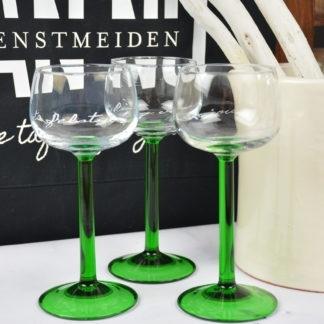 Witte wijn op groene steel